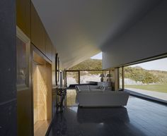 Image 4 of 20 from gallery of House at Goleen / Níall McLaughlin Architects. Photograph by Nick Guttridge