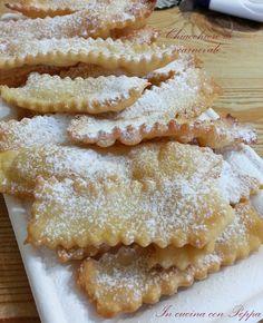 Le chiacchiere bimby sono un dolce tipico italiano, dalla consistenza friabile, che si usa preparare a carnevale. Nel blog, procedimento con e senza bimby.
