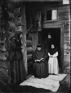 Old Believers in prayer in When the Bolsheviks swept into power, many Old Believer communities fled to Siberia to escape religious persecution photographed by Maxim P Dmitriev Ukraine, Old Believers, Life In Russia, Orthodox Prayers, Russian Revolution, World Religions, Imperial Russia, Persecution, Russian Art