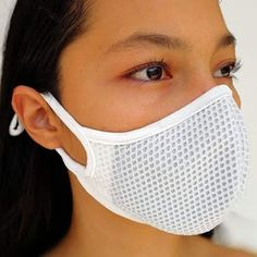 Discover recipes, home ideas, style inspiration and other ideas to try. Book Folding Patterns Free Templates, Sewing Patterns Free, Mouth Mask Fashion, Fashion Face Mask, Easy Face Masks, Diy Face Mask, Nose Mask, Tips & Tricks, Clean Face
