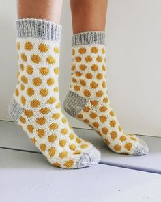 Wool Socks, Knitting Socks, Knitting Projects, Knitting Patterns, Crochet Stitches, Knit Crochet, Knit Art, Knitting Accessories, Yarn Crafts