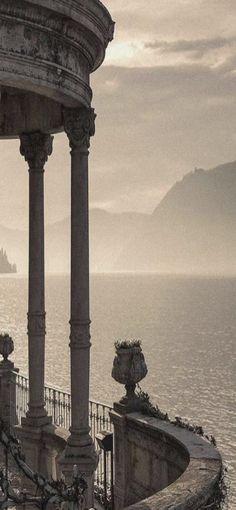 magic-of-eternity: Lago di Como. Aesthetic Desktop Wallpaper, Aesthetic Backgrounds, Beige Aesthetic, Lake Como, Light In The Dark, Hogwarts, Slytherin, Instagram Story, Travel Photography