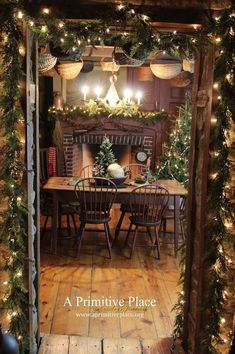 my study at Chistmas time. Primitive Christmas Decorating, Country Christmas Decorations, Prim Christmas, Simple Christmas, Christmas Holidays, Christmas Houses, Holiday Decorating, Vintage Christmas, Decoupage