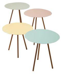 AU Maison pastel tables