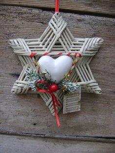 Noel Christmas, Christmas Wreaths, Christmas Crafts, Christmas Decorations, Xmas, Christmas Ornaments, Holiday Decor, Homemade Crafts, Diy And Crafts