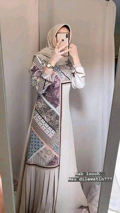 Batik Fashion, Abaya Fashion, Fashion Dresses, Islamic Fashion, Muslim Fashion, Batik Muslim, Dress Batik Kombinasi, Kebaya Dress, Hijab Dress