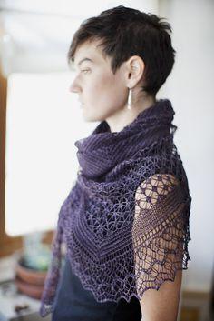 Rock Island Lace Triangle Shawl -   Wollmeise lace - color??? Im Jahr der Ratte Magnolie dark Grand mere Brombeere