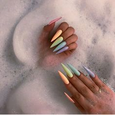 Stiletto Nails - 31 Nails for Summer 2017 Stiletto Nail Art, Cute Acrylic Nails, Summer Stiletto Nails, Acrylic Nails For Spring, Dope Nails, My Nails, Uñas Kylie Jenner, Jolie Nail Art, Luxury Nails