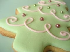 MATCHA CHRISTMAS TREE COOKIES|
