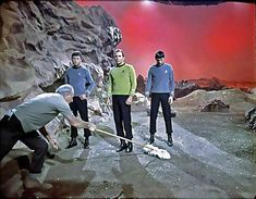 The 1966 set of Star Trek- you missed a spock! Star Trek Tv, Star Wars, Radios, Star Trek Images, Star Trek Original Series, Star Trek Universe, Star Trek Enterprise, Cosplay, Spock
