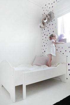 25 White Bedroom Furniture Design Ideas: 25 Amazing White Kid's Room White Kids Room, Deco Kids, Bedroom Furniture Design, Little Girl Rooms, Fashion Room, Girls Bedroom, Spa Bedroom, Home, Polka Dots