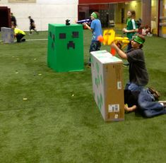 Minecraft war is on with nerf fun. The creepers vs humans. Nerf Birthday Party, Nerf Party, Minecraft Birthday Party, 10th Birthday Parties, Birthday Ideas, Birthday Nails, Minecraft Party Games, Lego Minecraft, Minecraft Crafts