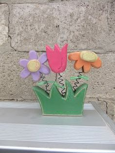 Spring and Easter Crafts 2012 Wood Block Crafts, Wooden Crafts, Diy And Crafts, Crafts For Kids, Spring Projects, Craft Projects, Craft Ideas, Summer Crafts, Holiday Crafts