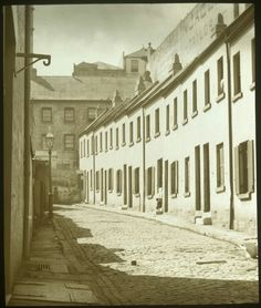 A street on the Rocks,Sydney (year unknown). •State Library of Victoria• 🌹