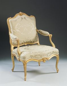 Giltwood Louis XV fauteuil (armchair) with neoclassical details 1765 (via Mallett Antiques) Antique French Furniture, Antique Chairs, Classic Furniture, Furniture Styles, Luxury Furniture, Vintage Furniture, Furniture Design, Sofa Chair, Upholstered Chairs