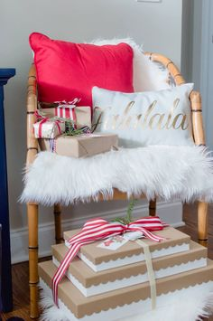 kraft-paper-wrapped-gifts-with-red-ribbons