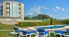 Ven a disfrutar de una de las playas más famosas de Rías Baixas desde el Hotel Brisa da Lanzada*** con piscina exterior y una amplia zona ajardinada con parque infantil #RíasBaixas     ➡ Descubre más en http://www.sientegalicia.com/