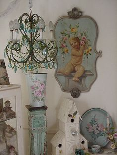 Shabby Chic Home Decor Cottage Chic, Shabby Cottage, Shabby Chic Homes, Cottage Style, Estilo Shabby Chic, Shabby Chic Style, Shabby Chic Decor, Chinoiserie, Chandeliers