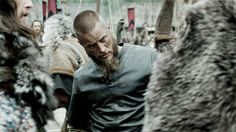 Love Ragnar's face when he met this HUGE Viking. Vikings on HISTORY (@HistoryVikings) | Twitter