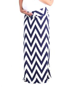Flaunt those curves for three-plus trimesters with this stylish maxi. Featuring a relaxed fit and bold zigzag design, this is a must-have for one modern mama.95% polyester / 5% spandexHand wash; hang dryImported
