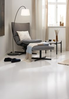 trestjerner_gulvmaling_laminat_etter_5501latte-jpg 3 000 × 4 243 bildepunkter Floor Chair, Color Inspiration, Ikea, New Homes, Furniture, Home Decor, Nest, House Decorations, Wood Flooring