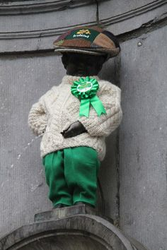 Manneken Pis in Brussels Belgium is all dressed up to celebrate St. Manneken Pis, Visit Belgium, Brussels Belgium, Tourist Information, 10 Picture, European Tour, Koh Tao, Beautiful Islands, Shades Of Green