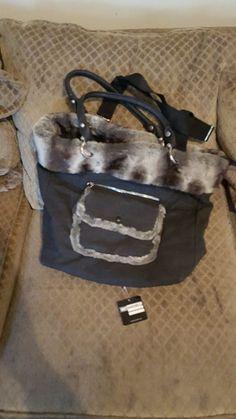 Used Sondra Roberts Black Handbag Christmas Delivery, Christmas Sale, Fathers Day Sale, Anniversary Sale, Black Handbags, April 10th, June, Lunch Box, Auction