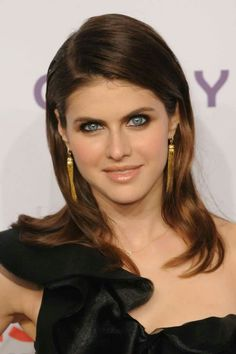 Celebrities - Alexandra Daddario Photos collection You can visit our site to see other photos. Most Beautiful Eyes, Beautiful Women, Gorgeous Lady, Christina Hendricks, Matthew Daddario, Her Smile, Woman Crush, Beautiful Actresses, Beautiful Celebrities