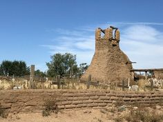 History Comes Alive in Taos, New Mexico Travel New Mexico, Taos New Mexico, St Jerome Church, Mexico People, New Mexico History, Santa Fe Home, Taos Pueblo, Rio Grande Valley, Land Of Enchantment