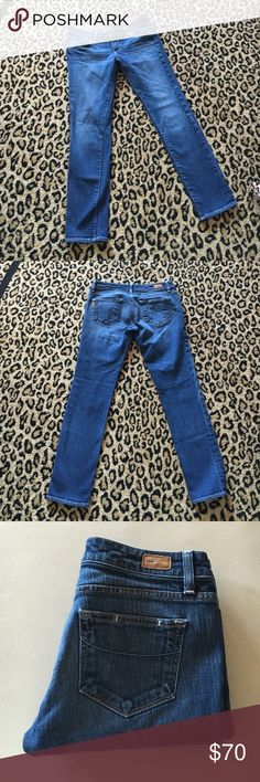 "Paige Jimmy Jimmy skinny ankle jeans! Medium blue wash same as pics. Size 26. 28"" inseam. Excellent condition! Paige Jeans Jeans Ankle & Cropped"