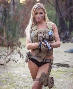 Girls Wallpaper - Women in the Military Photo - Girls and Guns - Tactical Girls Military girl Best Handguns, Outdoor Girls, Military Girl, Warrior Girl, Female Soldier, Military Women, Military Photos, N Girls, Army Girls
