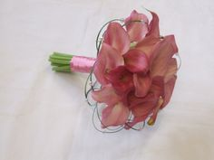 I want this as my bouquet but with the ribbon in my burgundy!!!