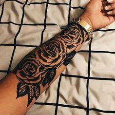 Rose sleeve tattoo for girl. More - Rose sleeve tattoo for girl. Rosen Tattoo Arm, Rose Tattoo On Arm, Rosen Tattoos, Tattoo Roses, Flower Tattoos, Butterfly Tattoos, Hand Tattoos, Girl Tattoos, Tattoos For Guys