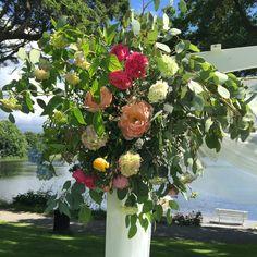 Detaljer fra hageportal Floral Wreath, Wreaths, Plants, Home Decor, Decoration Home, Door Wreaths, Room Decor, Deco Mesh Wreaths, Plant