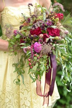 4 Floral Trends You Need to Know About: Ribbons on bouquets