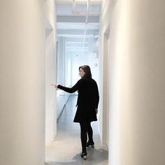 The grand tour with my big sis @mazzms #Aporta #Aporta #newyorkcity #design #art #graphicdesign #advertising #fancy #sister #fashion #womensfashion #minimalist #minimalism