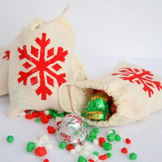 Jingle Mix Treat Bags | SimplyCelebrate.Meals.com - Treat bags brimming with Christmas candy that's easy to make, and fun to give as gifts! #christmas #candy #simplycelebrate
