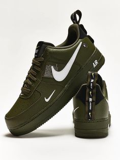 Nike Women's and Men's Fashion Styles Shoes Sneakers. Nike Outift Casual Shoes Sneakers .Nike shoes sneakers street styles. Nike air force 2020 Spring Summer Trends. Nike Fashion, Sneakers Fashion, Fashion Shoes, Men's Fashion, Discount Sneakers, Sneakers Nike, Military Green, Shoes Wallpaper, Hypebeast