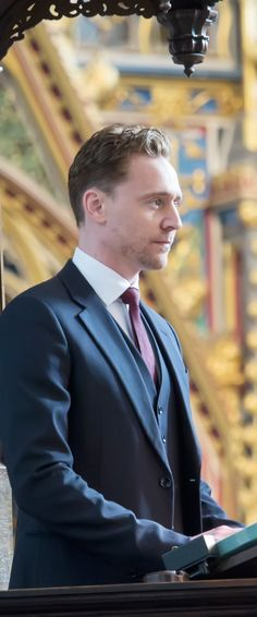 Tom Hiddleston speaks at a service of thanksgiving for the life and work of Lord Attenborough CBE at Westminster Abbey on March 17, 2015 in London. Full size photo: http://imgbox.com/oDlCkg1D. Source: http://torrilla.tumblr.com/post/113892477420/tom-hiddleston-speaks-at-a-service-of-thanksgiving#notes