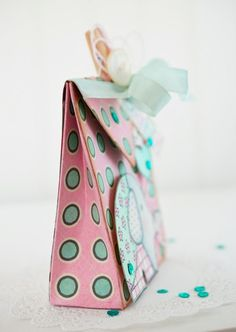 Lori Hairston envelope punch board bag video tutorial. Envelope Punch Board Stampin Up, Envelope Punch Board Projects, Flower Punch Board, Envelope Maker, Paper Punch, Punch Art, Elephant Gifts, Elephant Baby, How To Make An Envelope