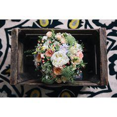 Beautiful wedding bouquet sitting in a vintage wooden crate © #KatiePalmerPhotography #anthropologie #rug #bridalbouquet #bridal #Wedding #weddingphotography #summerweddingfun #summerwedding #WeddingBouquet #WeddingFlowers #FlowerBouquet #Bouquet #Bouquets #BouquetoftheDay #Flowergram #flowersofinstagram #Flowerstagram #FlowerArrangement : @katiepalmerphotography