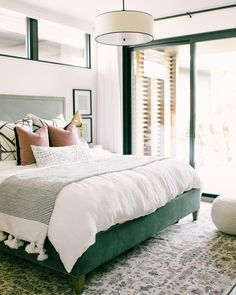 This is a Bedroom Interior Design Ideas. House is a private bedroom and is usually hidden from our guests. However, it is important to her, not only for comfort but also style. Much of our bedroom … Green Bedroom Design, Bedroom Green, Cozy Bedroom, Bedroom Apartment, Home Decor Bedroom, Bedroom Furniture, Furniture Plans, Bedroom Ideas, Green Bedding