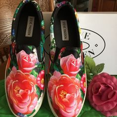 Steve Madden Floral Sneakers Sz8 Gorgeous!! Love them, but too tight, NiB never wore them, slip on sneakers in a rose floral pattern.....perfect for this year's floral trend Steve Madden Shoes Sneakers
