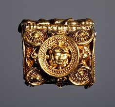 Ear-ring, Etruscan, 6th century BC (Thorvaldsens Museum) Inventory number H1843