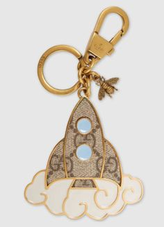 Shop the Gucci keyrings and key cases for women. Select from Marmont leather and GG supreme canvas key cases or interlocking GG keyrings in silver at Gucci. Cute Keychain, What In My Bag, Geek Gear, Key Rings, Rose Gold Plates, Wallets For Women, Retro, Women's Accessories, Creations