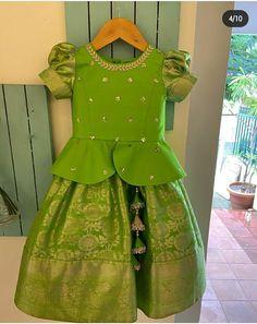 Kids Party Wear Dresses, Kids Dress Wear, Fancy Dress For Kids, Kids Gown, Dresses Kids Girl, Girls Frock Design, Kids Frocks Design, Baby Frocks Designs, Kids Dress Collection