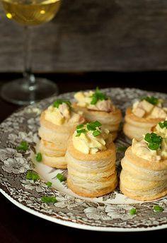 Vol-au-Vents sa salatom od jaja (with egg salad)
