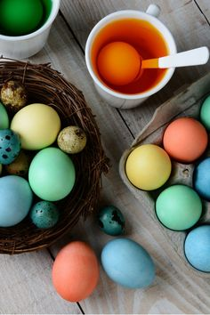 How to Dye Easter Eggs And Keep Them From Cracking