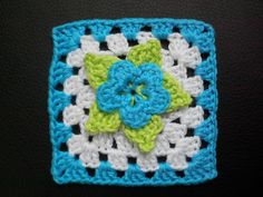 picot flower square