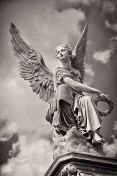 angel sculpture Angel Statue in Nijmegen, The Netherlands Statue Tattoo, Cemetery Angels, Cemetery Art, Cemetery Statues, Statue Ange, Art Sculpture, Roman Sculpture, Angels And Demons, Angel Art
